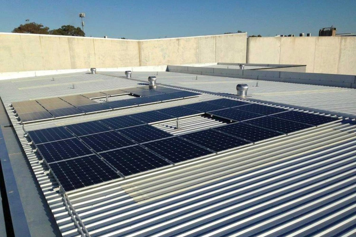 Probedrill 10 kW commercial solar system